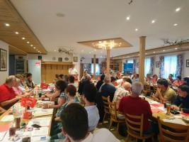 Blick auf den Saal mit den SPD-Delegierten, am Rednerpult Norbert Ringler