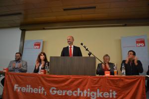 Lutz Egerer und das Tagespräsidium (links: Hans Unger, Gaby Sehorz; rechts: Bernd Lober, Harald Dösel)
