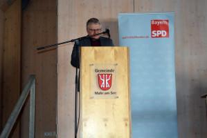 Bernd Lober führt die Versammlung durch die verschiedenen Wahlgänge (Foto: Klaus Heger)