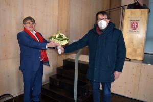 Glückwünsche des UB-Vorsitzenden an den Kandidaten (Foto: Klaus Heger)