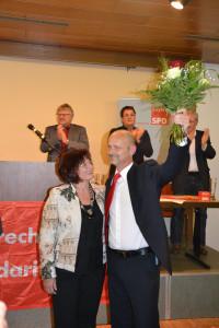 100 % für Lutz Egerer - Bezirkstagsvizepräsidentin Christa Naaß gratuliert